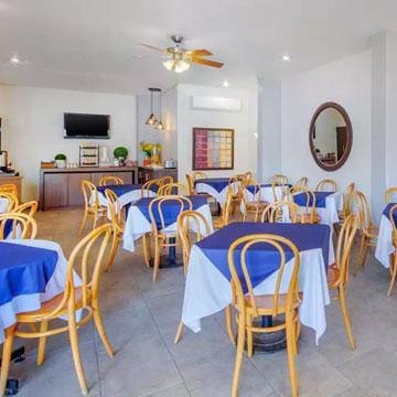 Tienen restaurante Comfort Inn Tampico?